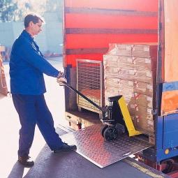 Mobile Überfahrbrücke aus Alublech, LxB 1000 x 1250 mm, Tragkraft 600 kg