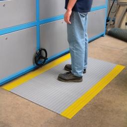 Bodenmatte, mit Rillenoberfläche, schwarz/gelb, LxB 600x900 mm, Stärke 9 mm, Vinyl-Schaum-Belag