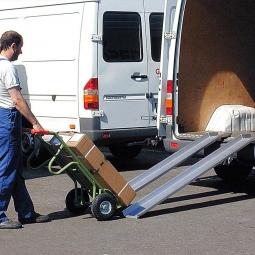 Leichte Verladeschienen mit Rand, Länge 2500 mm, Tragkraft 400 kg/Paar, Gewicht 10 kg